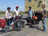 kasachstan-begegnung-radfahrer