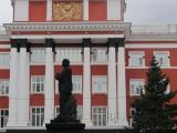 russland-barnaul-lenin-stierkaempfer