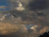 Wolken über den BergenMatterhorn-Raubkopien im Kaukasus bei Dombai
