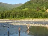 14. Juni Kinder am Fluss